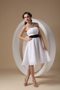Simple White Knee-length Junior Bridesmaid Dress with Black Belt