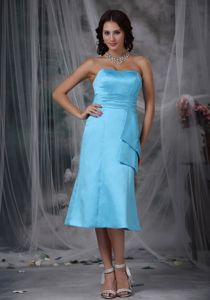 Sky Blue Tea-length Strapless Ruched Plus Size Bridesmaid Dress
