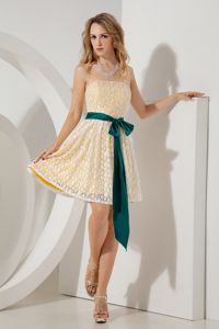 Strapless Mini-length Yellow Lace Decorate Dresses for Bridesmaid
