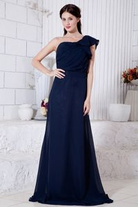 One Shoulder Brush Train Junior Bridesmaid Dress in Navy Blue