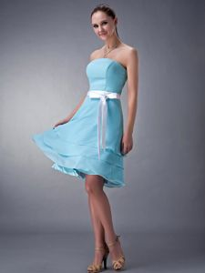 Chiffon Strapless Aqua Blue Short Bridesmaid Dresses with Sash