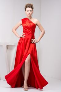 One Shoulder Red Slitted Young Bridesmaid Dresses Floor-length