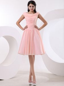 Bateau Peach Pink Ruched Bridesmaid Gowns Knee-length