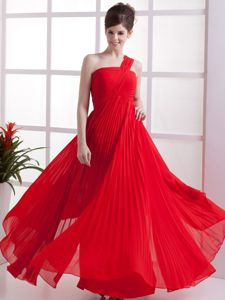 One Shoulder Red Bridesmaid Gown Pleated Floor-length Empire